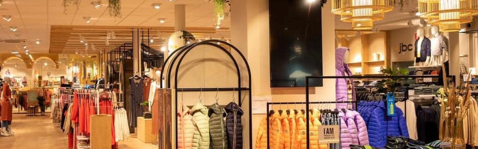 interieur vernieuwde winkel JBC Leuven