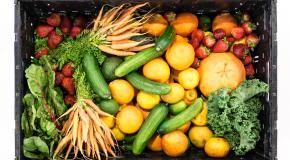 fruit en groenten in een bak
