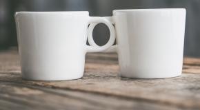 twee koffietassen